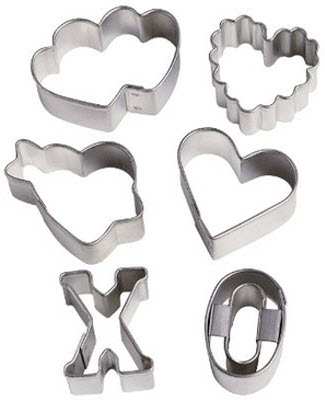 Amazon Wilton Valentine's 6 Piece Mini Cutter Set
